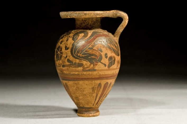 A Corinthian Periform Aryballos painted with a Swan and a Lion